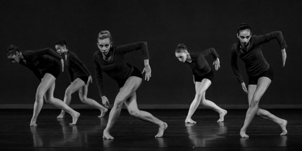 Students from the Ballet Etudes School of Dance