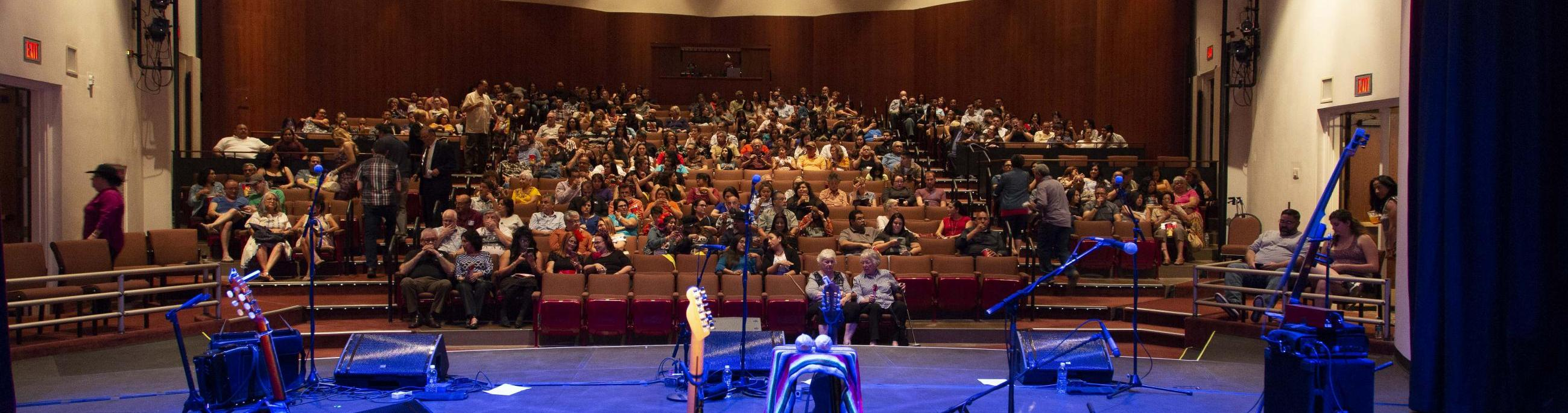 The Hal Bogle Theatre Rental creates an inviting and intimate atmosphere for smaller concerts