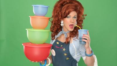 'Dixie's Tupperware Party' uses sass to sell